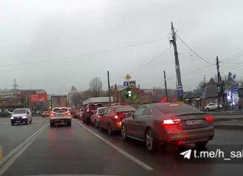 ВИДЕО: на Салтовке столкнулись три автомобиля (Telegram)