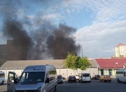 Пожар: горят шины и здание СТО (ФОТО, ВИДЕО)