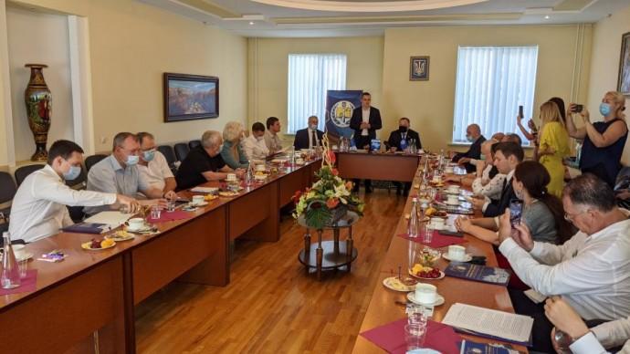 Алексей Кучер и нардепы встретились с харьковскими юристами, принимавшими участие в разработке Конст