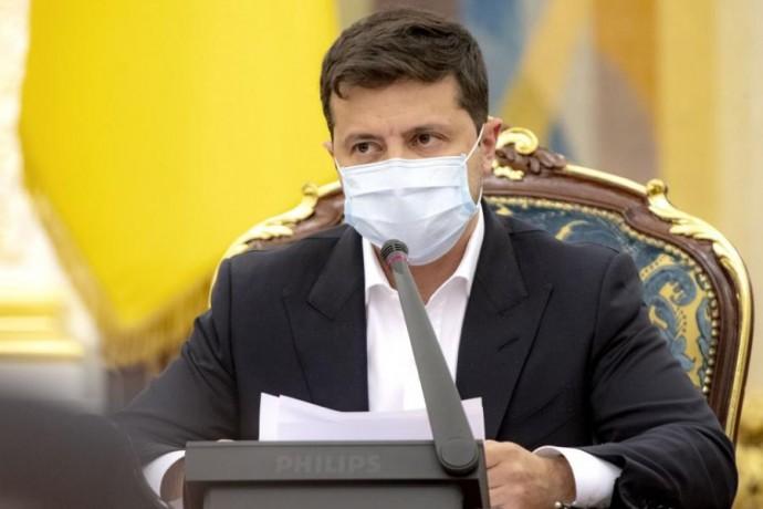 Президент поручил гарантировать возможность детям медиков, погибших от COVID-19, получить образовани