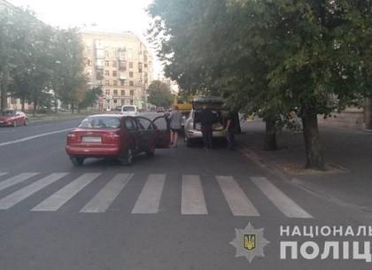 ДТП: автоледи сбила двух харьковчанок (ФОТО)