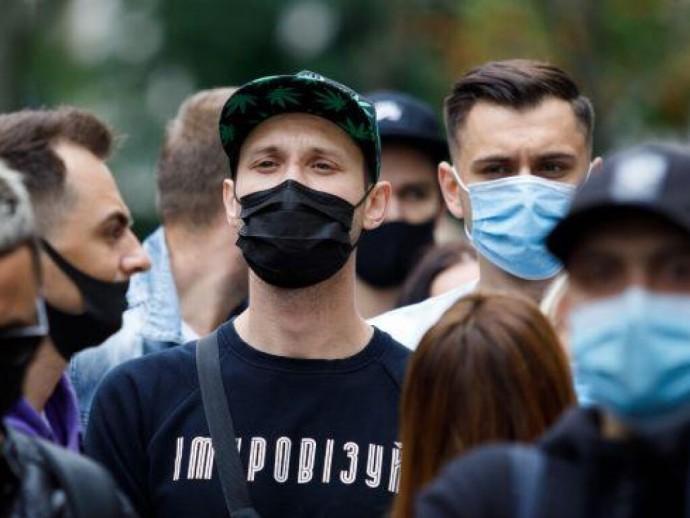 За сутки в Украине медики зафиксировали 6677 новых случаев коронавируса