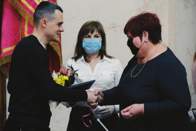 Алексей Кучер поздравил педагогов области с профессиональным праздником
