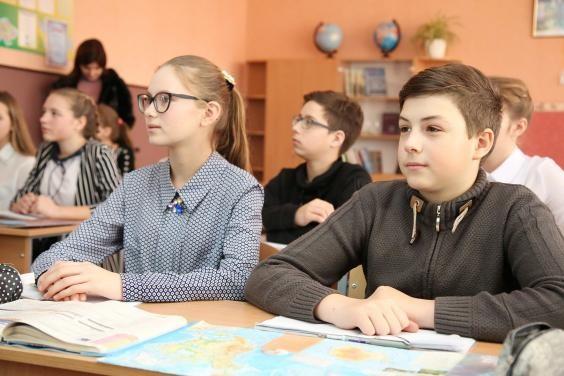 С 25 января школы области работают по смешанной системе