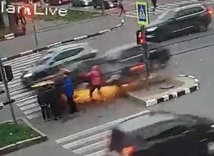 Лихач, который сбил людей на островке безопасности, оказался рецидивистом и нелегалом (Police Contro
