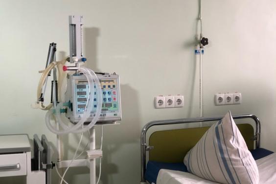 В больницах области занято 40% коек, выделенных для помощи больным COVID-19