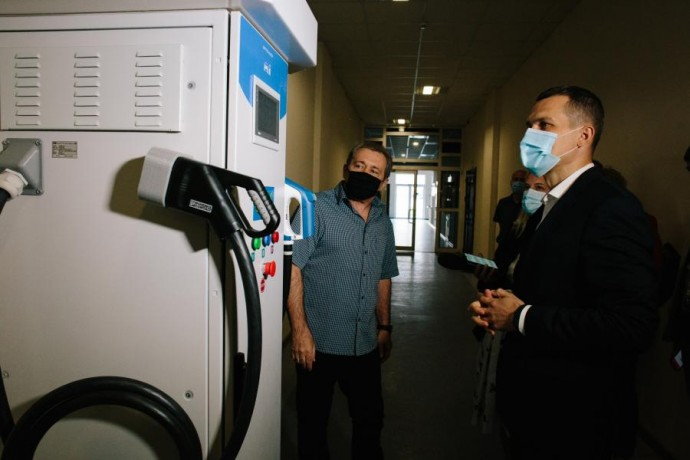 Алексей Кучер посетил завод «Хартрон»