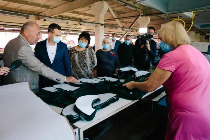 Алексей Кучер посетил одно из наибольших предприятий текстильной промышленности восточной Украины