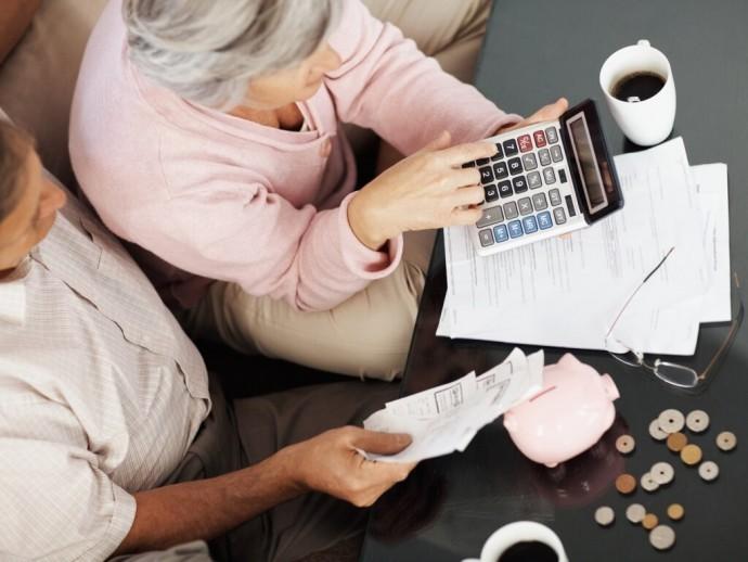 Сокращение субсидий приведет к росту долгов населения за услуги ЖКХ - эксперт