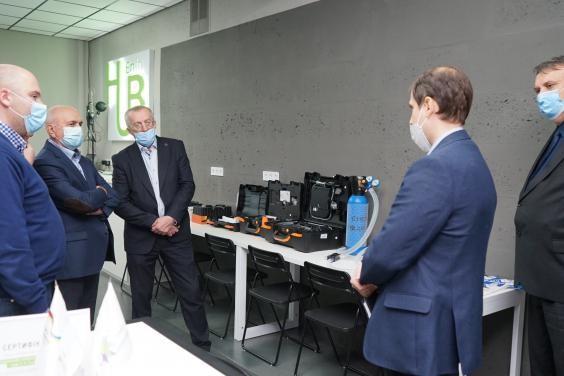 В харьковском вузе презентовали неинвазивный аппарат искусственной вентиляции легких собственной раз