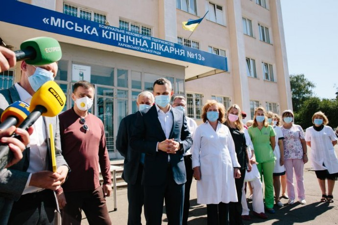 Опорные больницы области получили 4 аппарата ИВЛ
