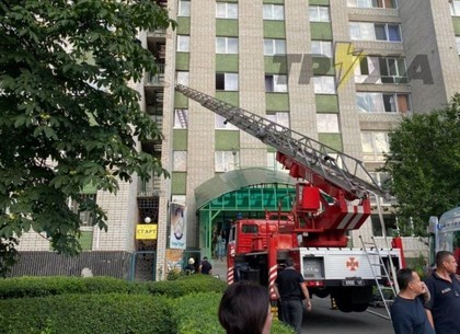 Пожар в гостинице: иностранец выпрыгнул из окна и умер в скорой