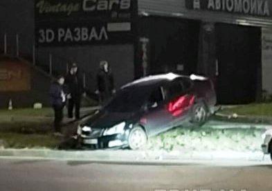 ДТП с переворотом: на Алексеевке водитель слетел с трассы (ВИДЕО)