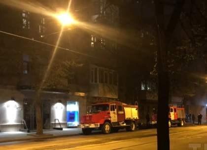 Пожар на Мироносицкой: жильцов спускали по автолестнице (ФОТО)