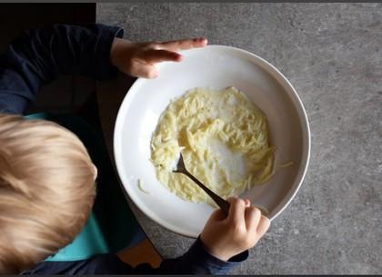 Дети отравились молочным супом: в детсаду идет проверка (ГУНП)