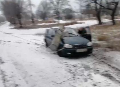 ВИДЕО: В результате ДТП автомобиль - клубок из проводов - Telegram