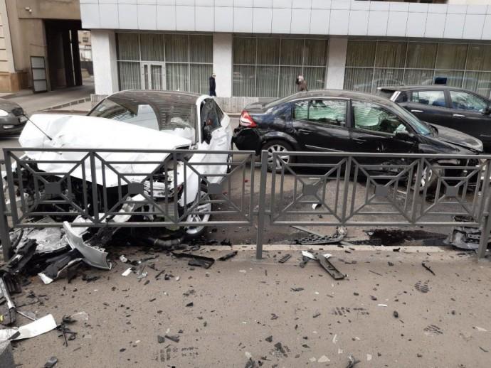 В Харькове автомобиль Renault выехал на «встречку» и столкнулся с Audi(ФОТО)