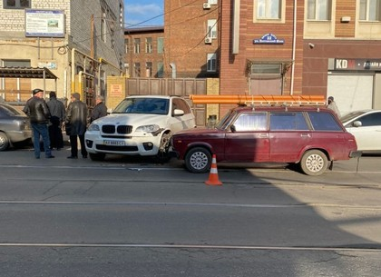 ВИДЕО: ДТП на Полтавском Шляхе. Трамваи стоят (Telegram)