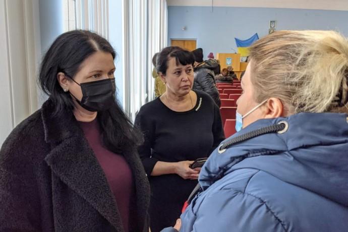 Айна Тимчук встретилась с жителями Двуречанского района, потерявшими дома в результате пожара