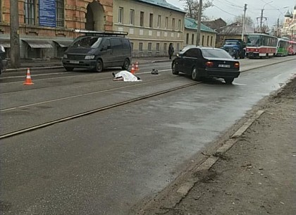 ФОТО: На Москалевке евробляха сбила женщину насмерть (Telegram)