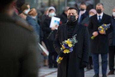 Президент почтил память военных, погибших за независимость Украины