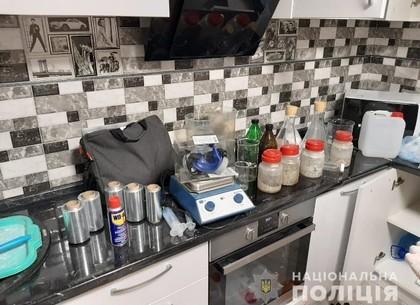 ФОТО: В квартире наркоторговца изъяли амфетамин на сумму около 250 000 гривен (ГУНП)