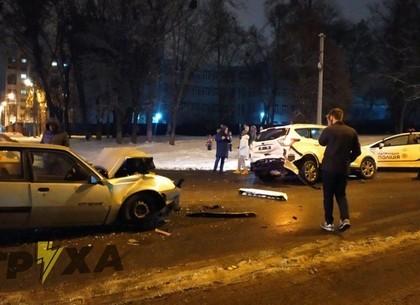 ФОТО: На Белгородском шоссе разбились легковушки (Патрульная полиция)