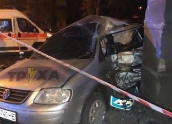 ВИДЕО, ФОТО: Убегал от копов и врезался в стену: на Салтовке – пьяное ДТП (Соцсети)