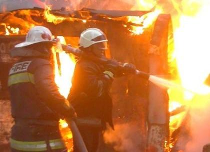 На Новоселовке бомж поджег гараж , в котором жил