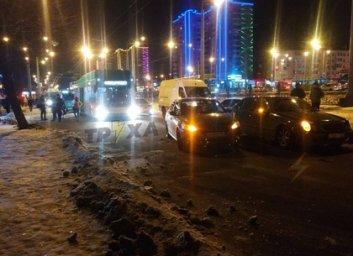 ДТП: Жесткая стыковка - кучка из трех разбитых машин оставила движение транспорта - Telegram