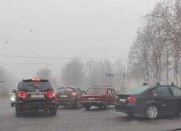 На ХТЗ два ВАЗа не поделили перекресток (ФОТО)