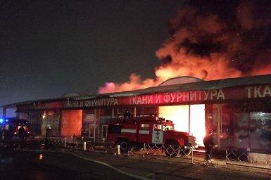На рынке Барабашово в Харькове произошел сильный пожар