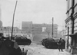 Немецкие САУ на улица Свердлова - 1941 г